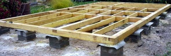 Столбчатый фундамент для дома, бани из бревна - фото