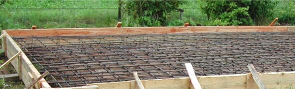 Фундамент дома из бревна, форма плюс арматура - фото