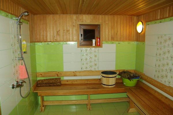 Помывочное помещение в срубе бани Комфорт - фото